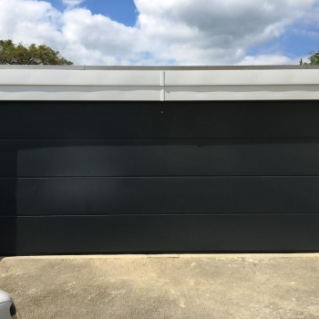 Hormann L-ribbed sand grain sectional in anthracite grey