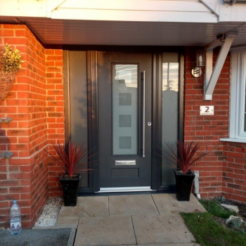 Rockdoor Ultimate with Glass Side Panels